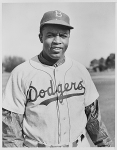 jackie-robinson-dodgers-uniform